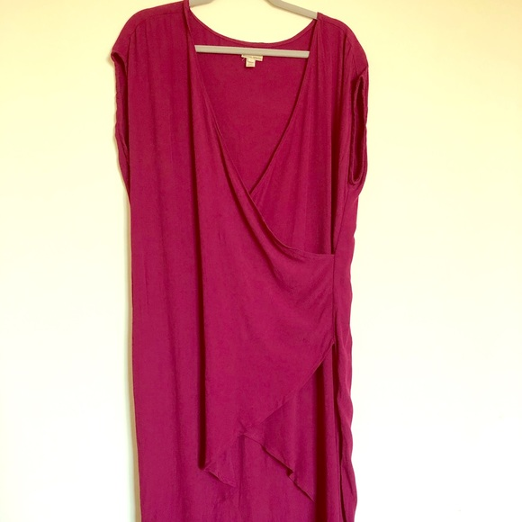 Anthropologie Dresses & Skirts - Anthropologie midi wrap dress. Vintage look!